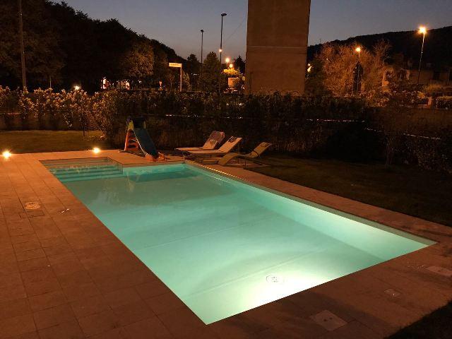 Illuminazione piscina heron piscine - Illuminazione piscina ...
