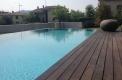 piscina sfioro a cascata su due lati 3