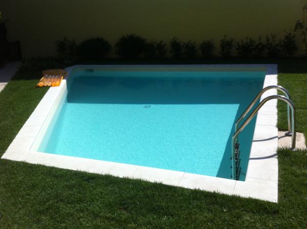 piscina irregolare pannelli prefabbricati finita