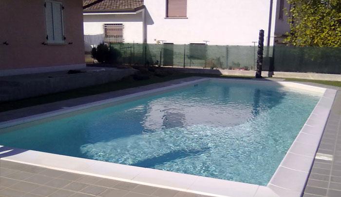 piscina piccola a skimmer