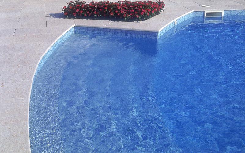 piscine rivestimento mosaico