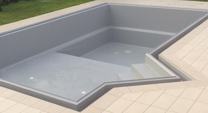 rivestimento piscina grigio chiaro