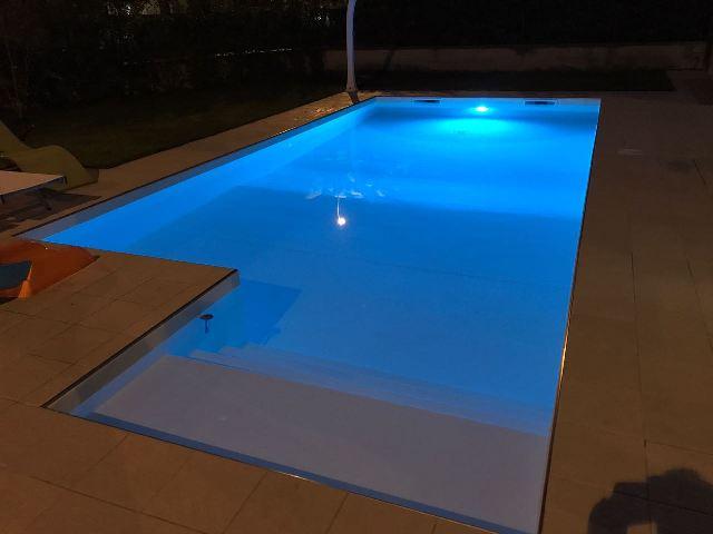 Illuminazione piscina heron piscine